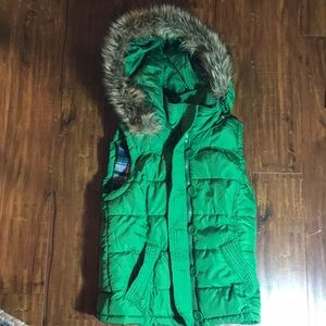 Aeropostale green plaid lined puffer vest hooded